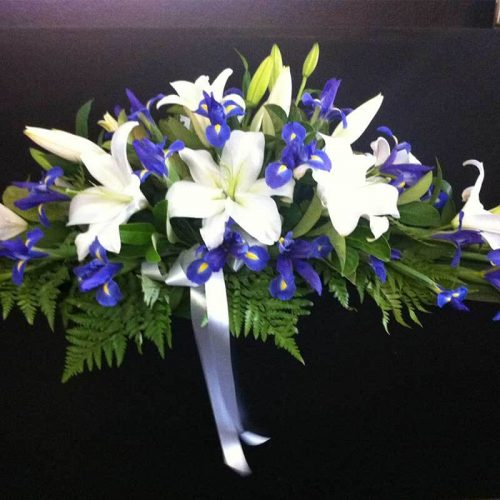 Iris flower | simple flower arrangement